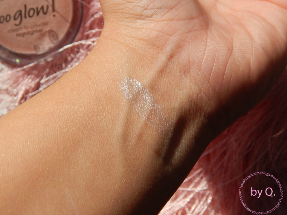 essence  soo glow swatch